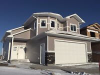 LUXURIOUSLY FINISHED 3 BED 2 FULL BATH! WITH NO REAR NEIGHBOURS