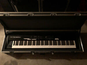 *PRICE DROP Roland RD-300SX Piano with Road case