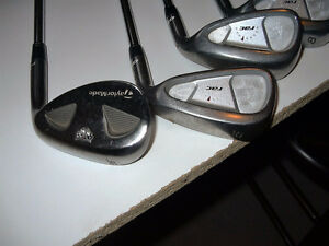 RIGHT HANDED GOLF CLUB SET Cambridge Kitchener Area image 1