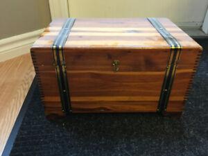 Cedar chest - Vintage
