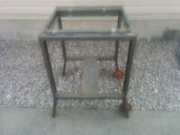 Moveable tool stand