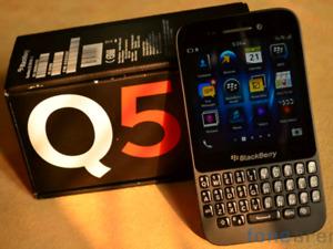 in excellent condition unlocked blackberry Q5