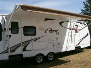 2011   27rl cougar trailer  REDUCED to $19.900