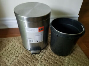 5 litre STAINLESS STEEL STEP GARBAGE / RECYCLING CAN