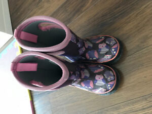 Toddler's Winter  Boots, Bogs, Size 7 (Purple Owls)