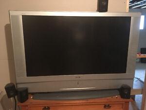 Télévision Sony WEGA 50 pouces en superbe condition
