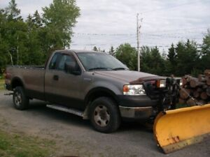 2005 Ford F150 with Plow