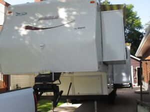 Sacrifice: One owner 32' Jayco 5th wheel trailer for sale