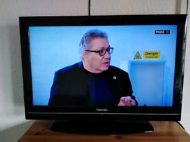 Toshiba tv (32 inch)