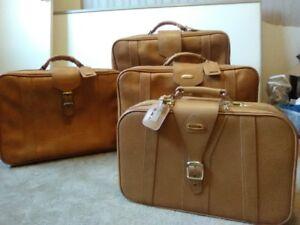 Vintage 4 Piece 'Fashionlite' Luggage Set