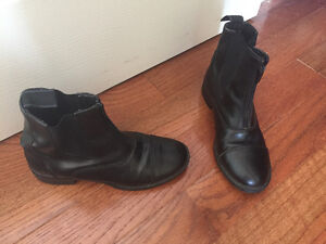 Girl Horse Back Riding Boots - size 4