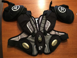 LACROSSE DELUXE SHOULDER PADS & KIDNEY GUARD - MINT CONDITION!