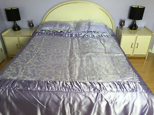 5 piece Bedroom set  Queen in good condition,mattress included!!
