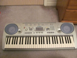 FOR SALE YAMAHA KEYBOARD IN VERY GOOD CONDITION.