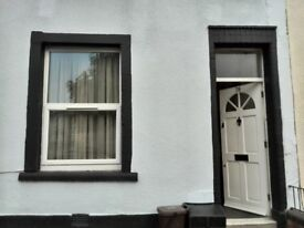 2 bedroom house to rent in Easton available from 19th October