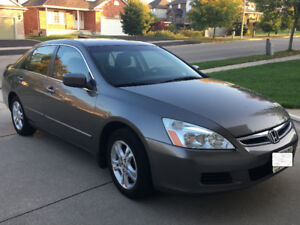 '06 Honda Accord with Low Kms and smoke/pet Free