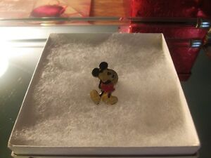 Mickey Mouse Pin - Vintage piece