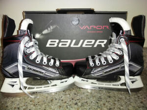 BRAND NEW!!! BAUER VAPOR KIDS HOCKEY SKATES SIZE 13