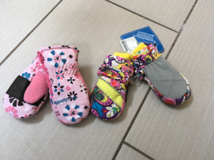 NEW Girls Baby Mittens