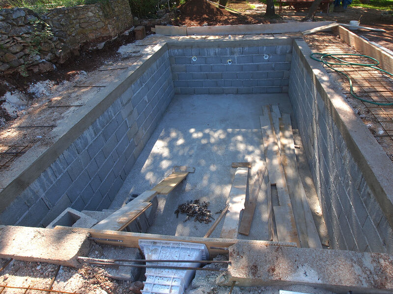 How to build a block pool ebay - Cinder block swimming pool construction ...