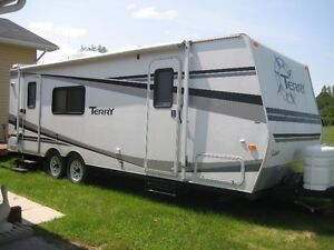 25 foot TERRY Travel Trailer by Fleetwood