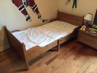 Lit IKEA pour enfant ajustable / Twin bed for kids