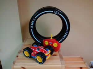 Auto téléguidé little tikes RC Tire Twister