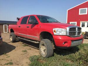2007 dodge 1500 mega cab Laramie