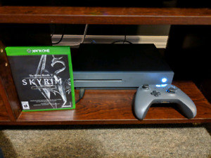 Xbox One S 500gb + Skyrim and Controller Bundle