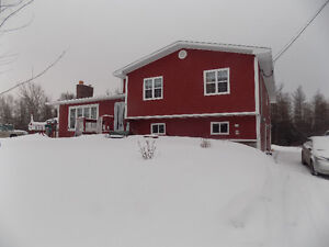Howley - Beautiful Large Home - 30 mins from airport!