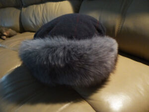 women's hat with fur brim