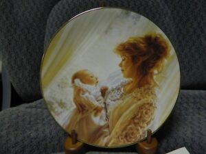 DECORATIVE PLATE FOR NEW MOTHER