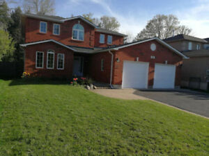 Back on woods 4 bedrooms house for rent in Barrie