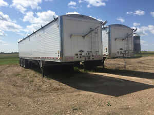 2011 Wilson tri axle grain trailer