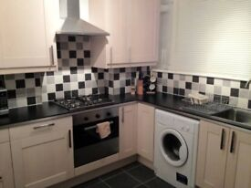 Superb Single Room (double bed), Central Location, ALL Bills & Professional Cleaning included.....