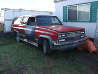 parting out 2wd suburban 1991