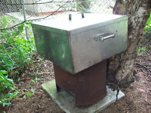 LARGE CAMP STOVE, COOKER , SMOKER