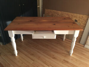 Farmhouse Dining Table - White / Natural Wood