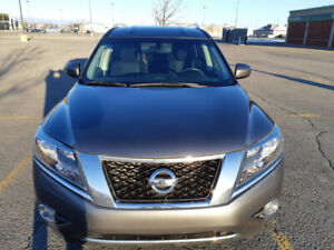 2015 Nissan Pathfinder SV with 56,000 km for sale by owner