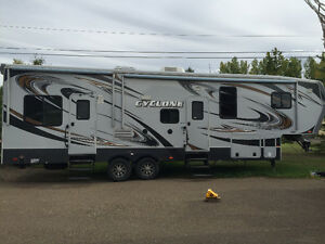 2013 Heartland Cyclone 3010 HD