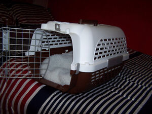 small pet carrier with soft bed Stratford Kitchener Area image 1
