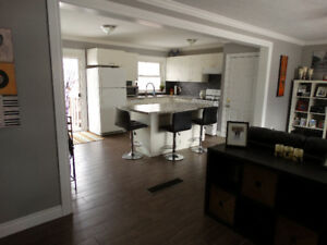 Bright 3-Bedroom In Desirable East-End Barrie