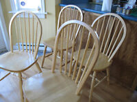 6 solid wood chairs, excellent condition