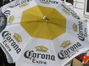 7' Patio Umbrellas PRICED TO SELL!