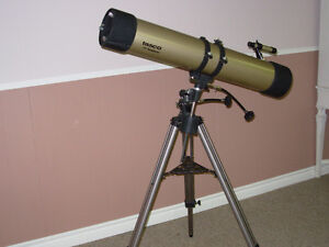 Tasco telescope , in excellent condition