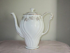 "QUEEN ANNE ""AILSA"" FINE BONE CHINA FOR SALE!"