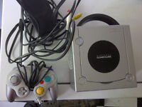 Platinum Nintendo GameCube Console w/ Controller and Wires Works