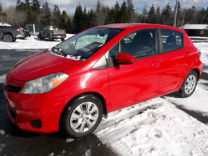 2012 Toyota Yaris 4 door hatchback