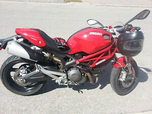 2011 Ducati Monster 696 - Needs battery replacement