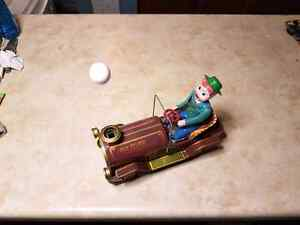 vintage tin toy bump and go car